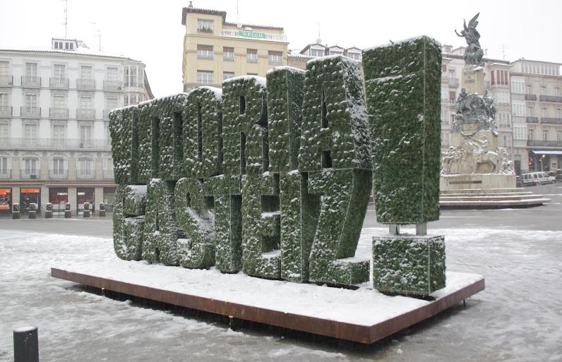 Escultura vegetal en vitoria como green capital for Jardines verticales pdf