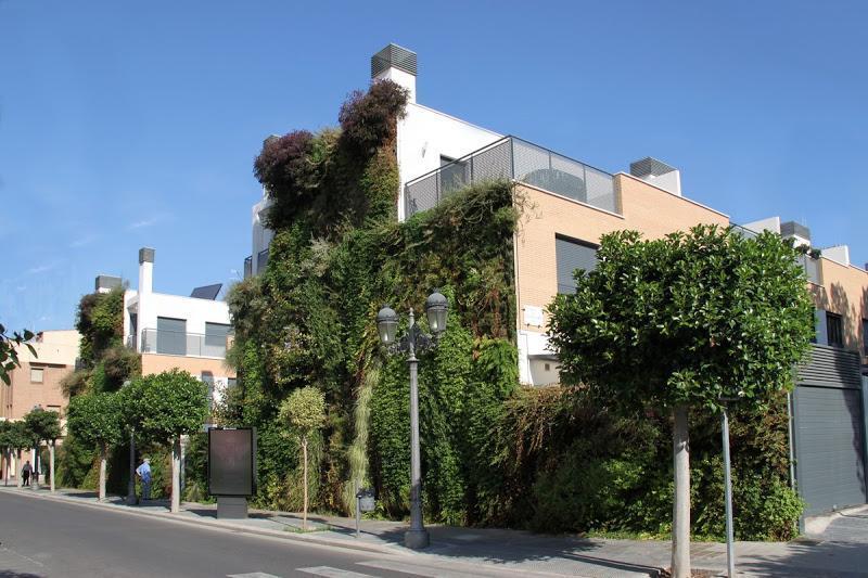 Jard n vertical en paterna valencia urbanarbolismo for Jardin urbano valencia