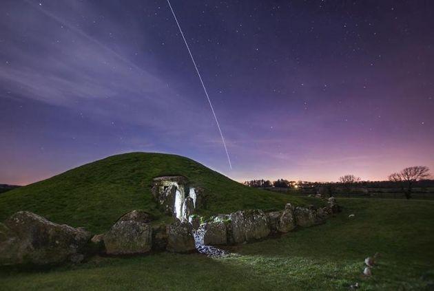 Monticulos de tumbas de la época neoítica - Anglesey